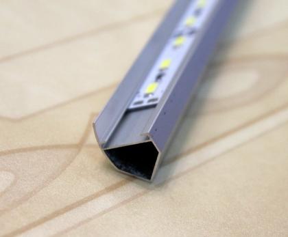 Светодиодная лента в угловом ал. профиле 50cm 12V 30 SMD 5630 IP 20 натуральный белый 4000K (угловой монтаж).